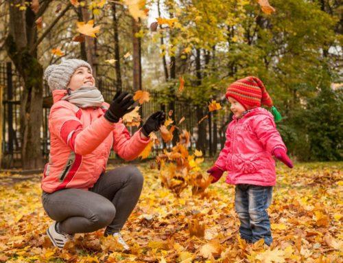 Giocare all'aperto anche in autunno: 5 benefici per i bambini